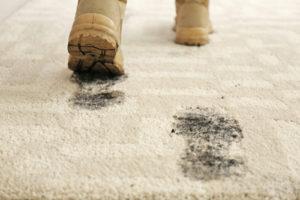 halıdan çamur temizleme